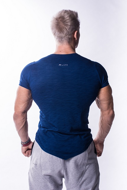 Яркая мужская футболка NEBBIA AW ATYPICAL 722